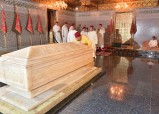 HM King Mohammed VI, Commander of the Faithful, Visits Grave of late HM King Mohammed V, on the occasion of the 10th day of the holy month of Ramadan, which coincides with the anniversary of the passing of the Father of the Nation