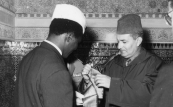 His Majesty King Mohammed V décorates the Guinean leader Ahmed Sekou - Touré Rabat, 1959