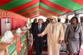 SM el Rey entrega 14 toneladas de ayudas médicas a las autoridades sanitarias gabonesas